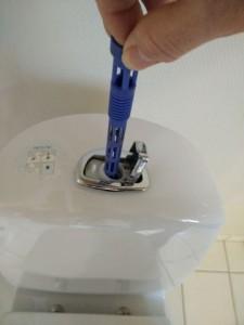 Toilet løber cisterne åbnes 4