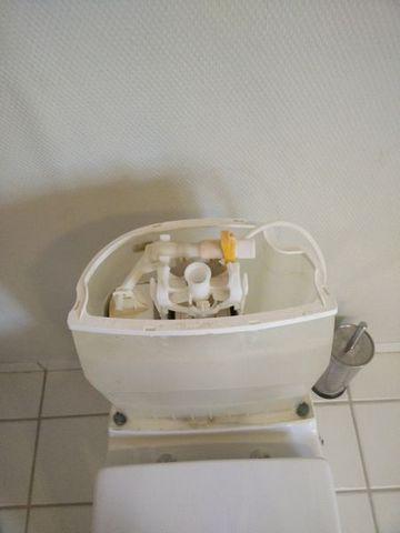 Toilet løber cisterne indvendig