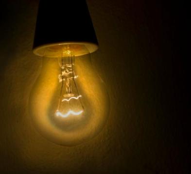 Tips til at spare penge på din elregning