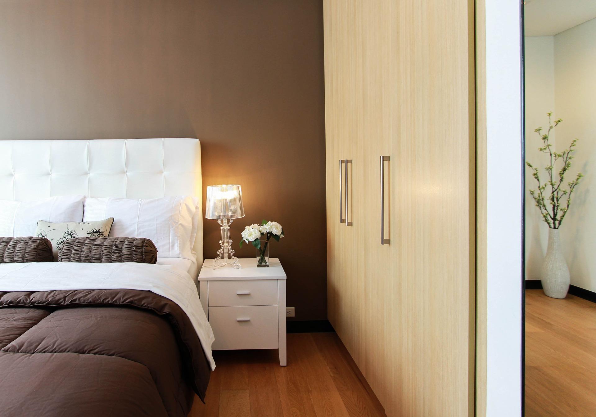Guide: Sådan får du en bedre belysning i soveværelset